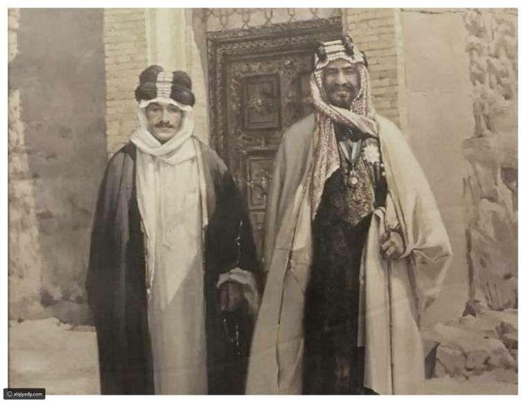 الملك عبد العزيز آل سعود وأول وزير تجارة عراقي عبد اللطيف باشا المنديل القيادي Image Painting Royal Family
