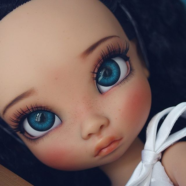 Saphire A new dolly for PowderPuff dolls. A collaboration project I have with… #dollies