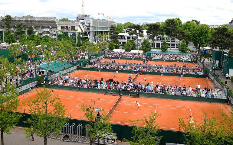 the outside courts at roland garros stadium attract the. Black Bedroom Furniture Sets. Home Design Ideas