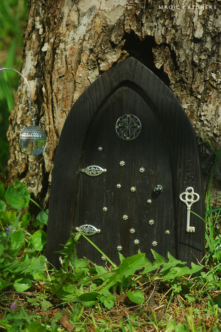 Black Fairy Garden Set: Door And The Lattern, Hand Crafted By Magic  Catchers.