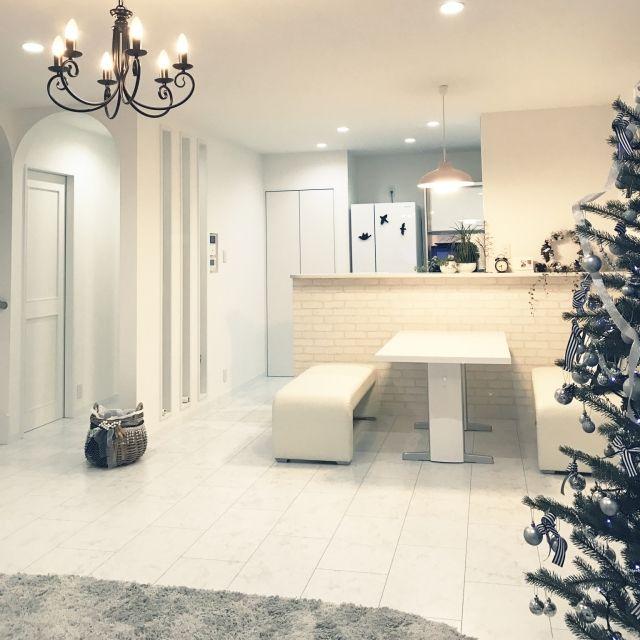 部屋全体 白が好き 大理石風フローリング おしゃれで可愛く ホワイト