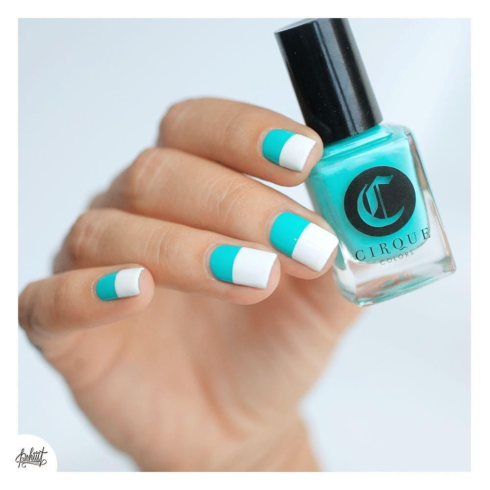 These color block nails are tres chic.
