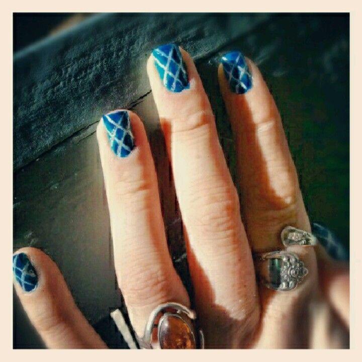 Argyle nails