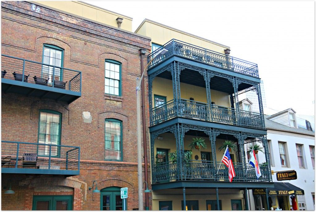 3 Story Balconies In The New Orleans Warehouse District Condos