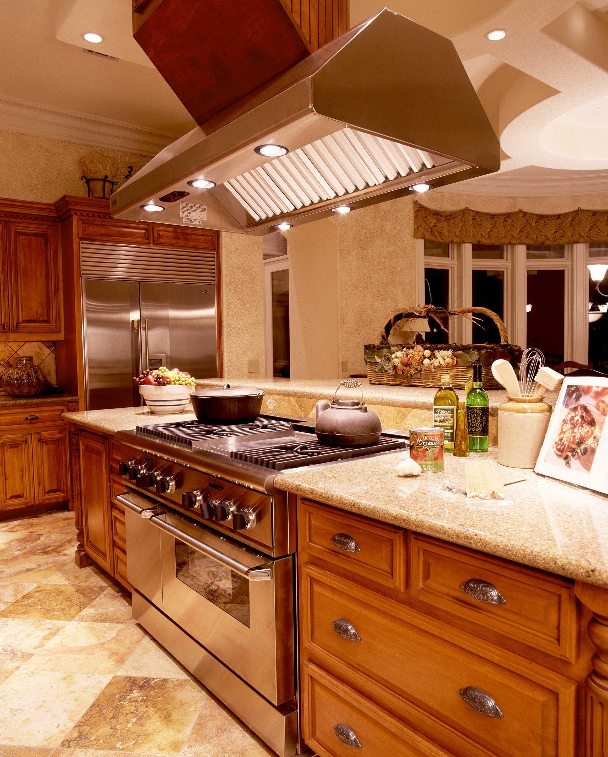 Custom home kitchen - Austin, TX | Kitchen - Sterling Custom Homes ...