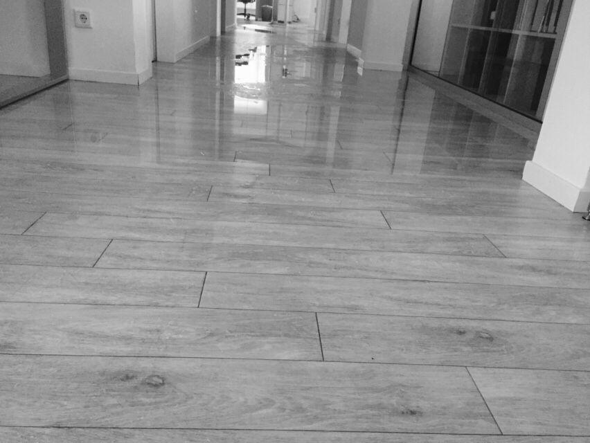 04.02.2016 - heute gelernte Lektion: Wenn sich das komplette Büro wegen eines Wasserschadens in einen Swimmingpool verwandelt, geht man besser gleich wieder nach Hause. Mal sehen, ob man dort morgen wieder arbeiten kann.