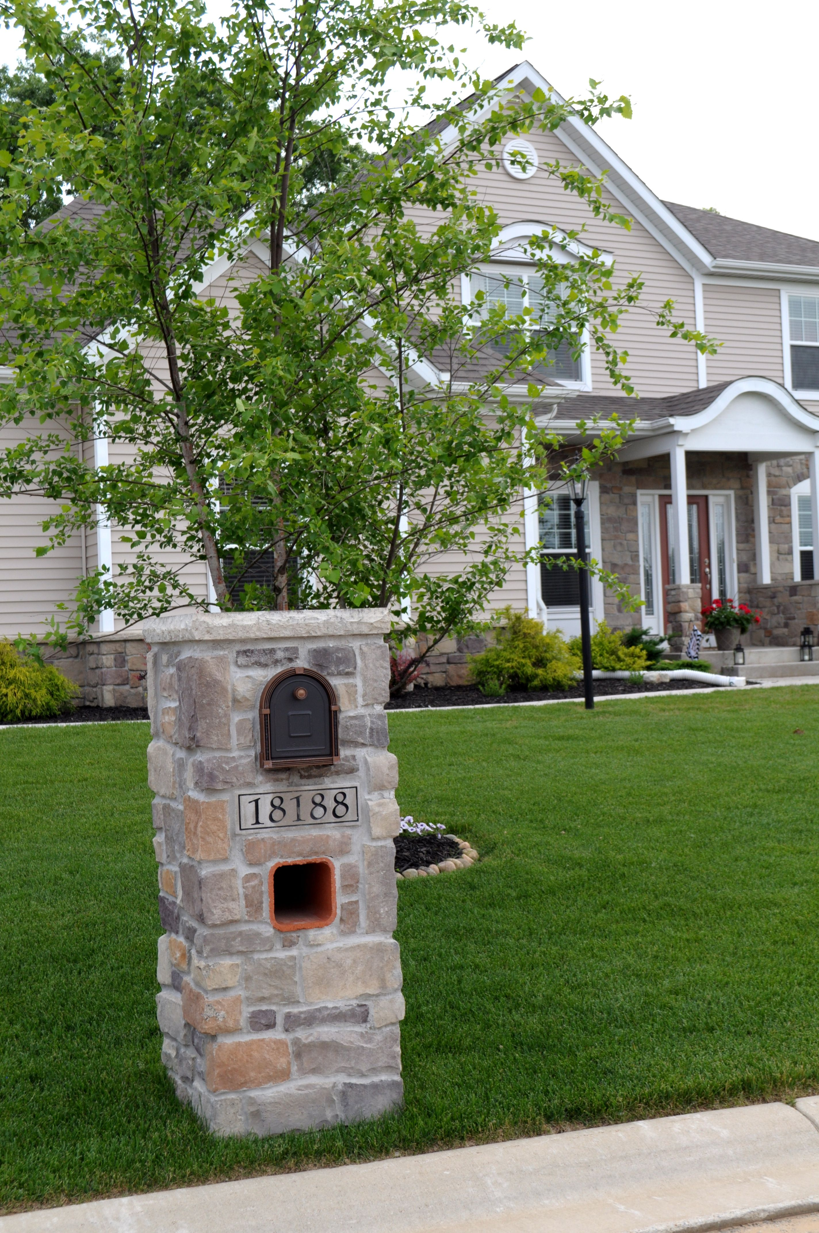 Stoned Mailbox And Exterior Home Monticello Cut Cobble J N Stone Homes