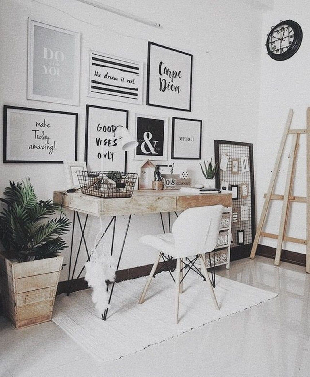70 Fantastic Minimalist Workplace Design Ideas For Your Inspiration Workplace Workplacedesign Workfromhome Home Office Decor Small Home Office Home Decor