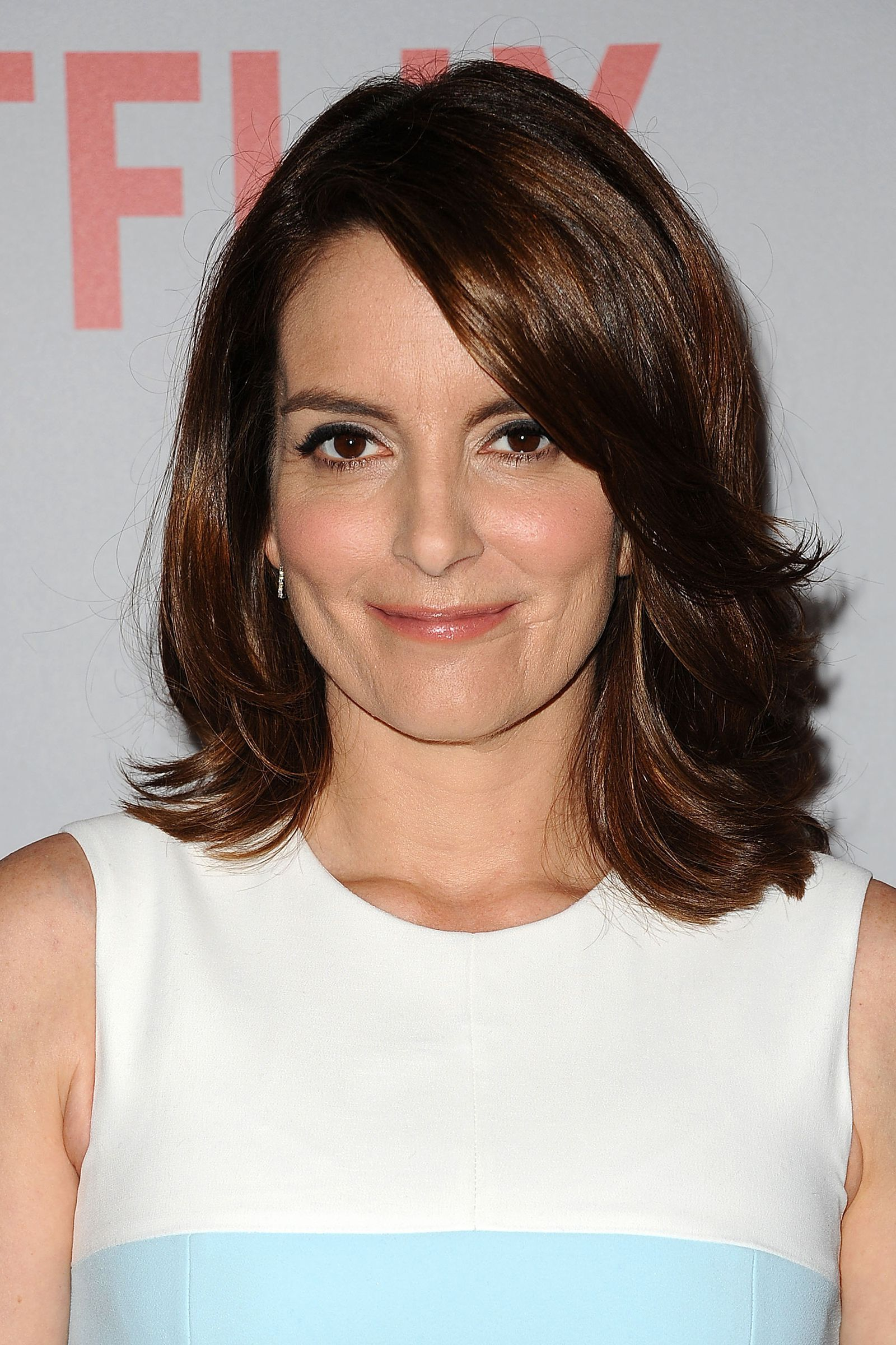 62 Medium Length Hairstyles That We Cant Wait To Try Tina Fey