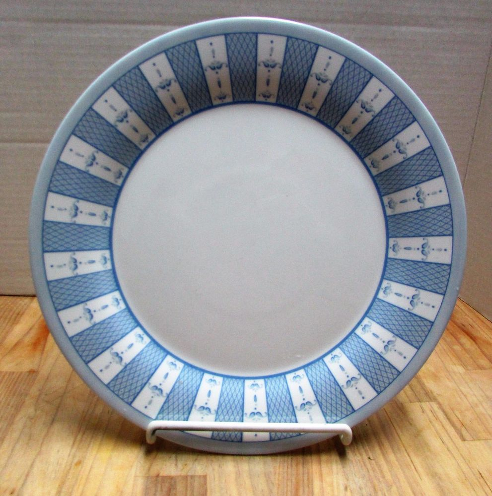 Martha Stewart Everyday Blue White Garden Trellis France Glass 8 Dinner Plates & Martha Stewart Everyday Blue White Garden Trellis France Glass 8 ...