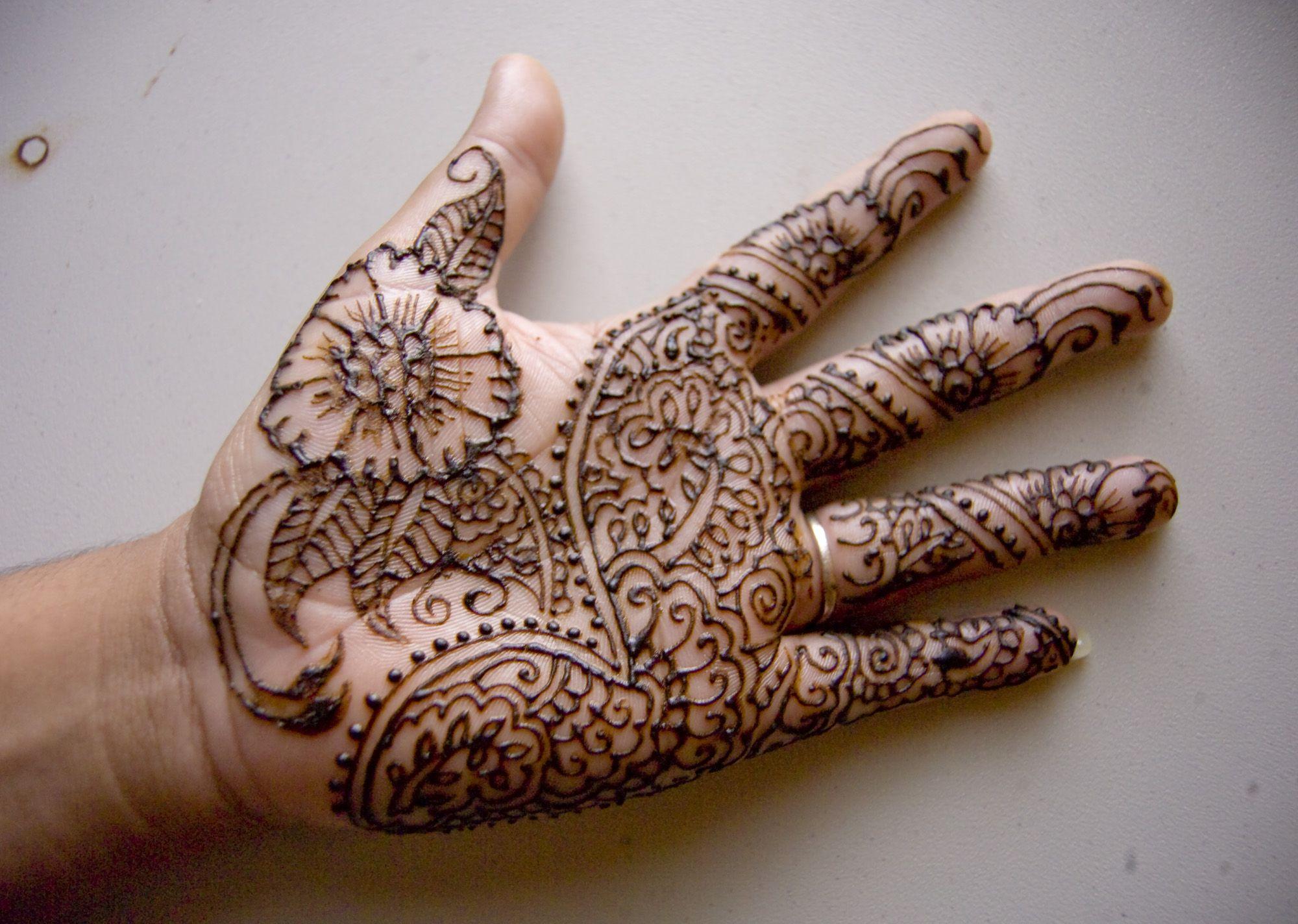 Mehndi For Kids Full Hand : Easy mehndi designs for kids detail is a traditional