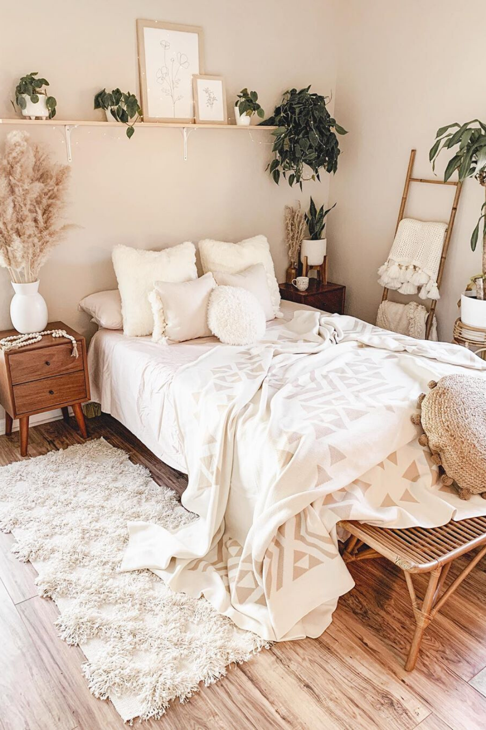 Pin By Emma Wedemeyer On Bedroom Cozy Room Decor Home Decor Bedroom Redecorate Bedroom