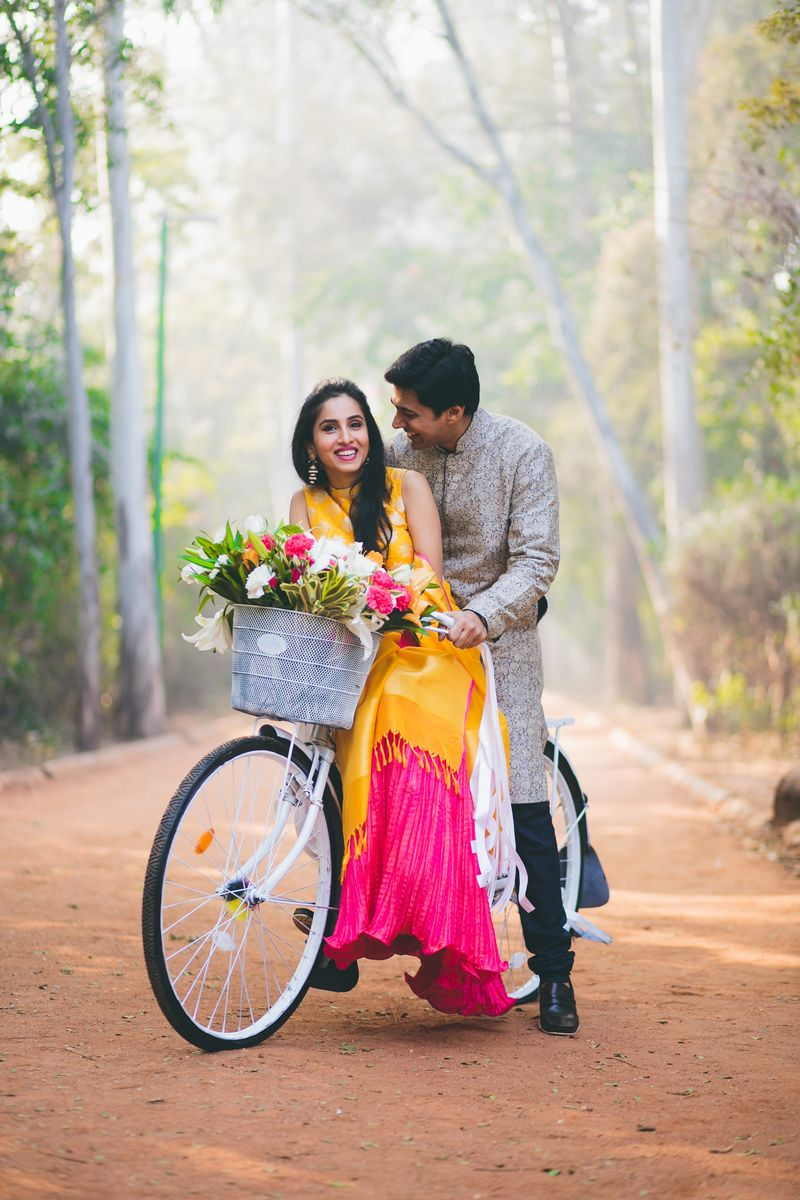 Super Cute Bollywood Poses For Pre-wedding Shoots