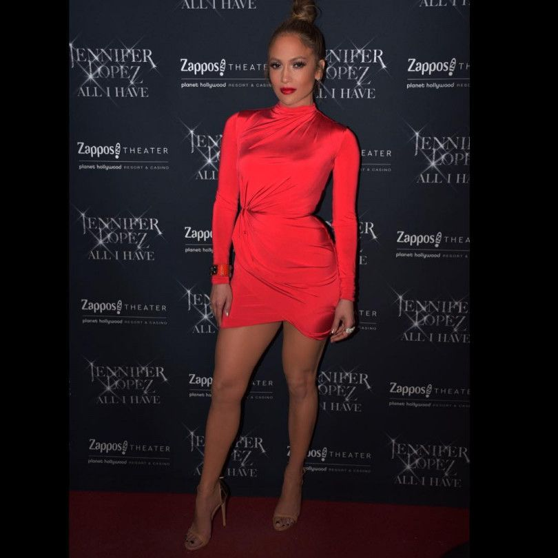 Дженнифер Лопес Красное Платье