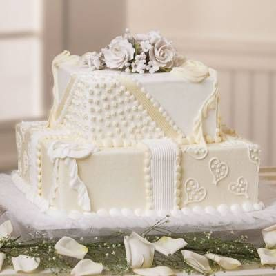Packages Of Happiness Wedding Cake At Publix