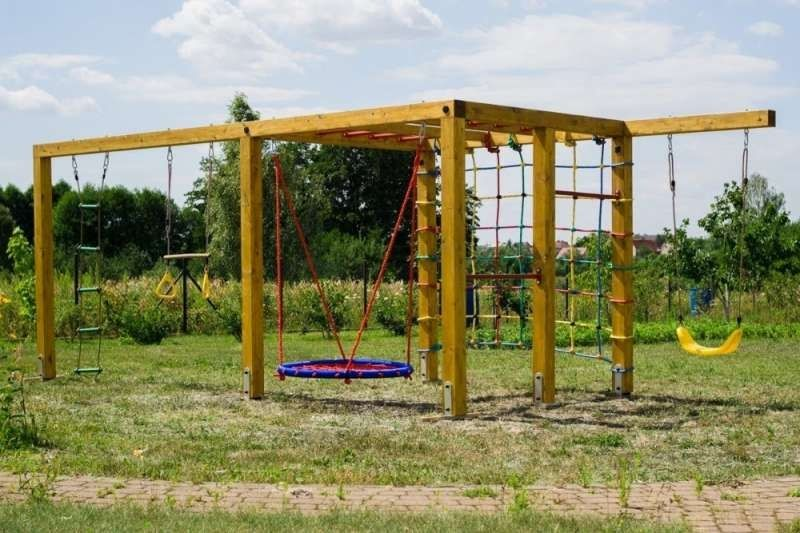 Pin By Katarzyna On Kids And Parenting Backyard Fun Backyard Playground Outdoor Play Spaces