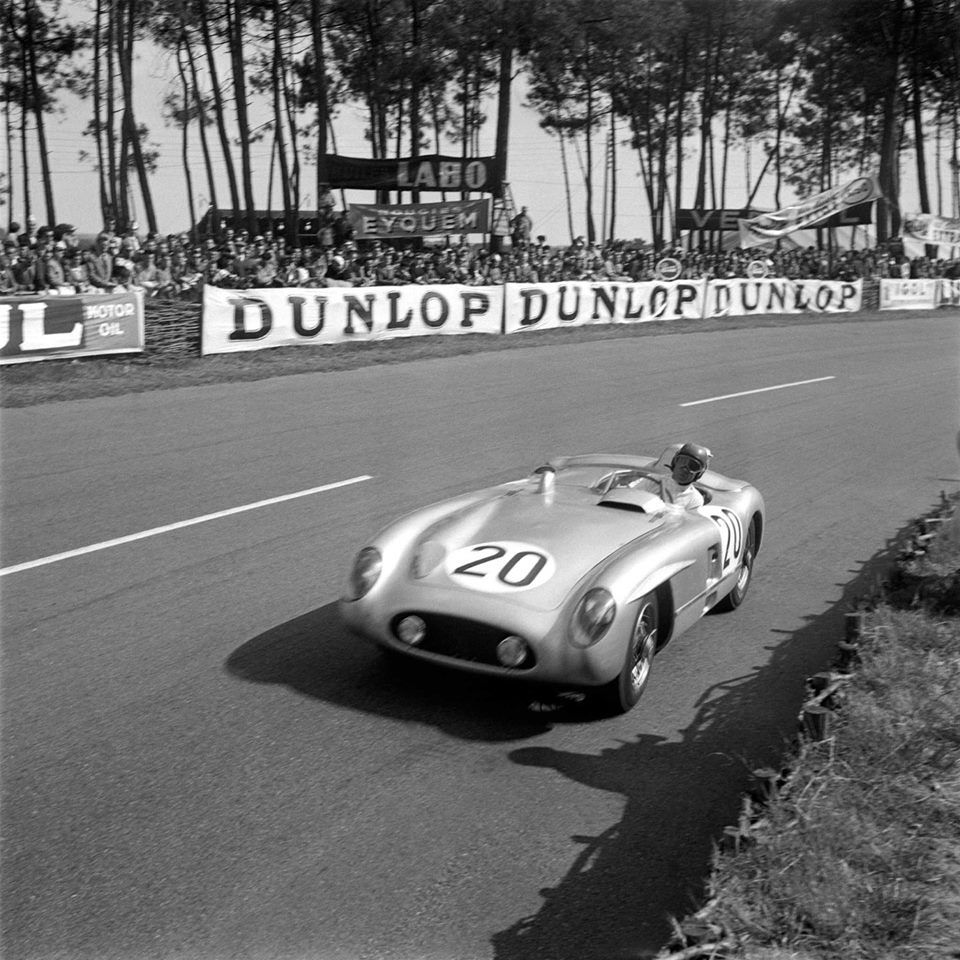 le mans 24h the mercedes benz 300 slr of pierre levegh f and john fitch us which would be. Black Bedroom Furniture Sets. Home Design Ideas