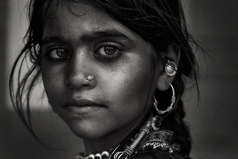 профессиональные черно белые фотографии людей домов террасой