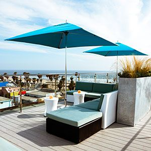 Hotel Erwin Lounge - Venice, CA Rooftop Bar - amazing - reserve a booth ahead of time..