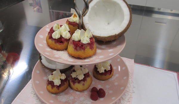 Upside down raspberry muffins Himbeer-Kokos-Muffins: Das Rezept aus Enie backt