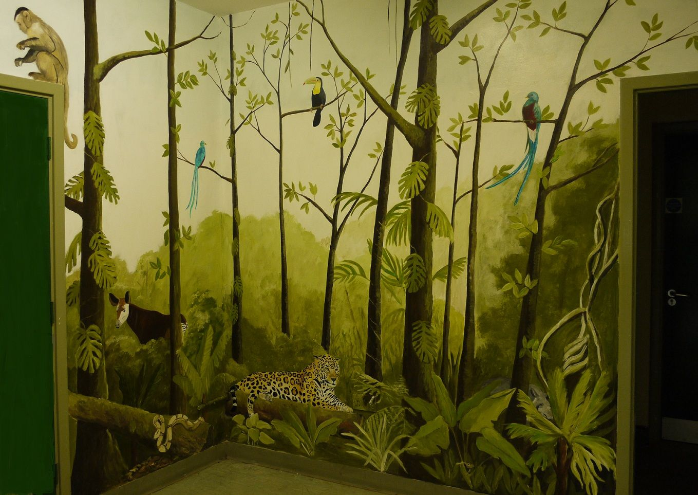 Jungle Mural- I love the trees and foliage in this one. I could go ...