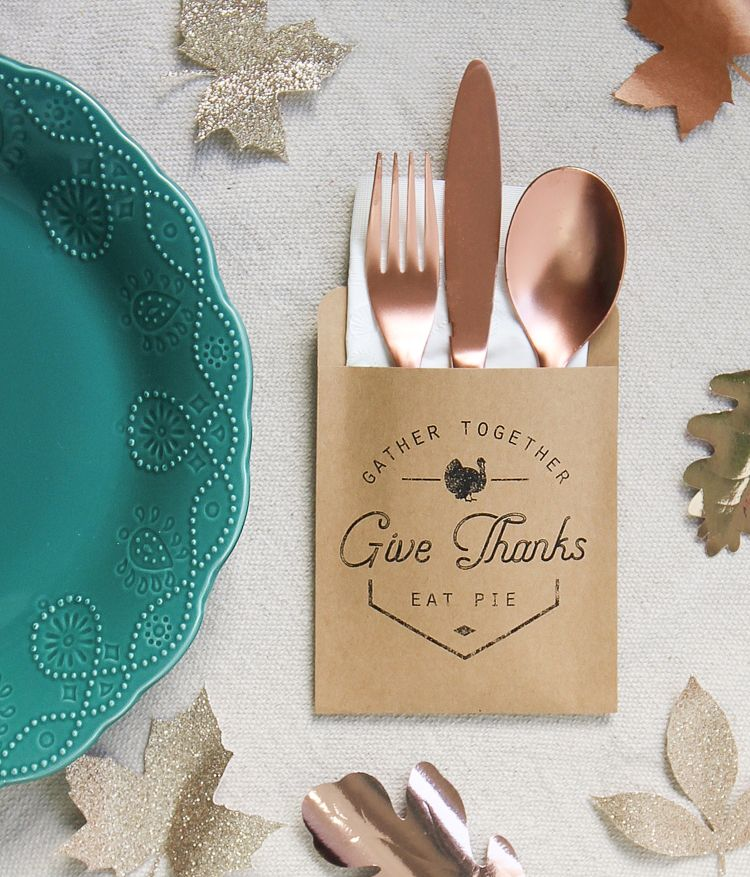 Thanksgiving Utensil Pouch and Napkin Wrap Free Printable - The Craft Patch