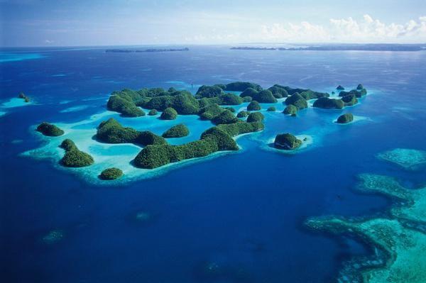 Helicopter Ride Over Palau Rock Islands - Palau. Watch > http://destinations-for-travelers.blogspot.com.br/2013/04/ilhas-rock-de-palau.html