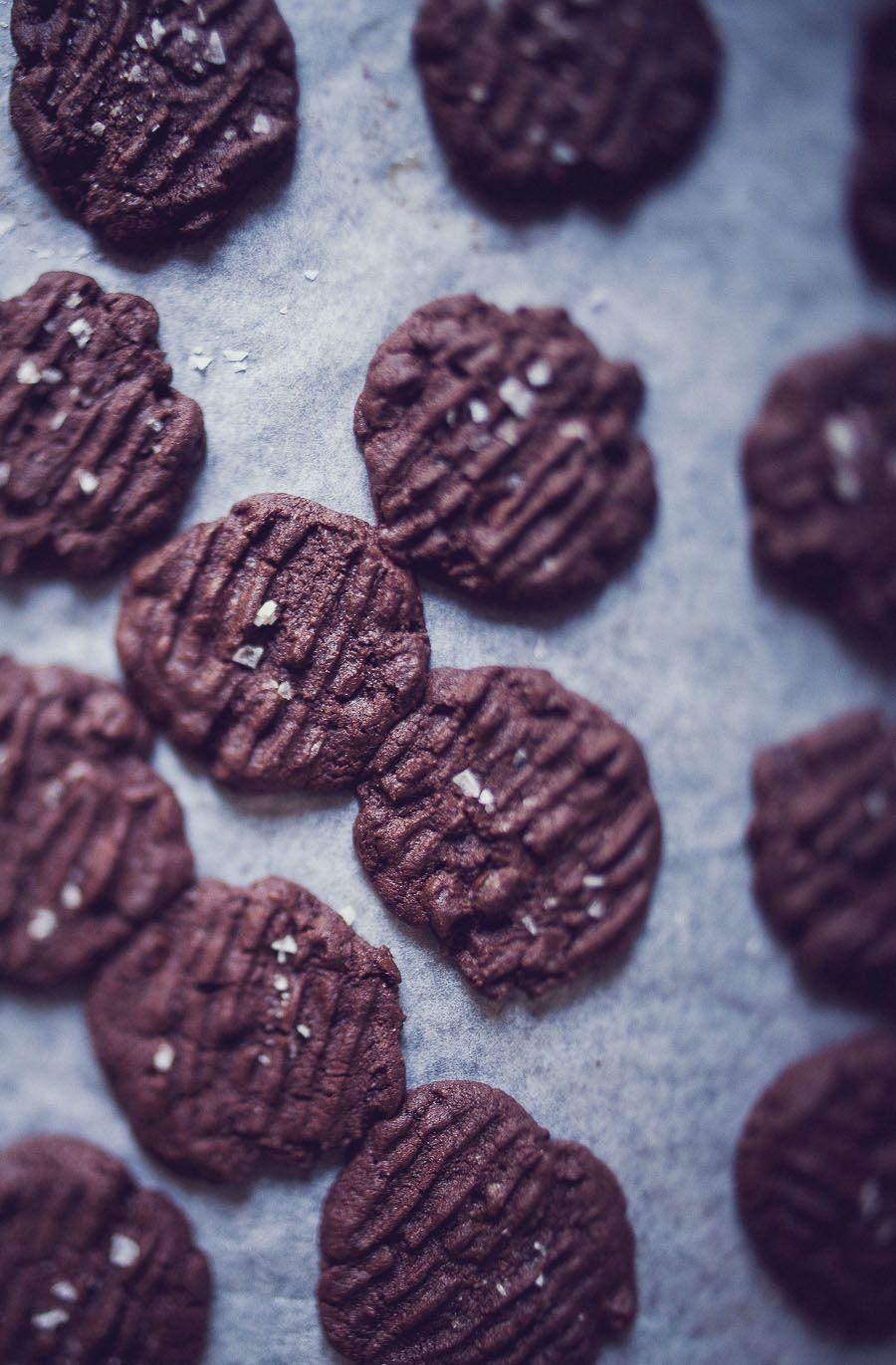 mörk chokladkaka med havssalt