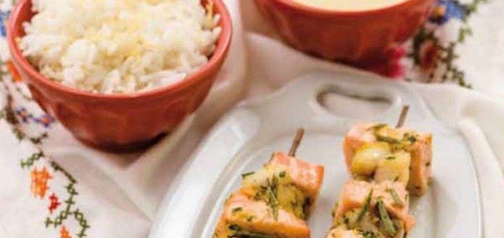 Espetadas Mistas de Peixe em Alecrim com Molho de Iogurte e Limão - Bimby World