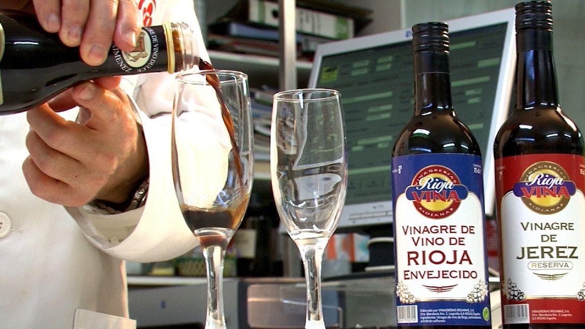 #RiojaVina, nuestra primera marca, con #envases que aún hoy son referencia y con las mejores y  más sorprendentes variedades de #vinagre, nuestra joya más preciada