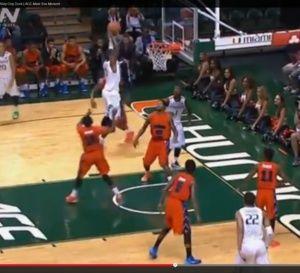 NCAA: un dunk d'anthologie pour Sheldon McClellan (Miami Hurricanes) - vidéo