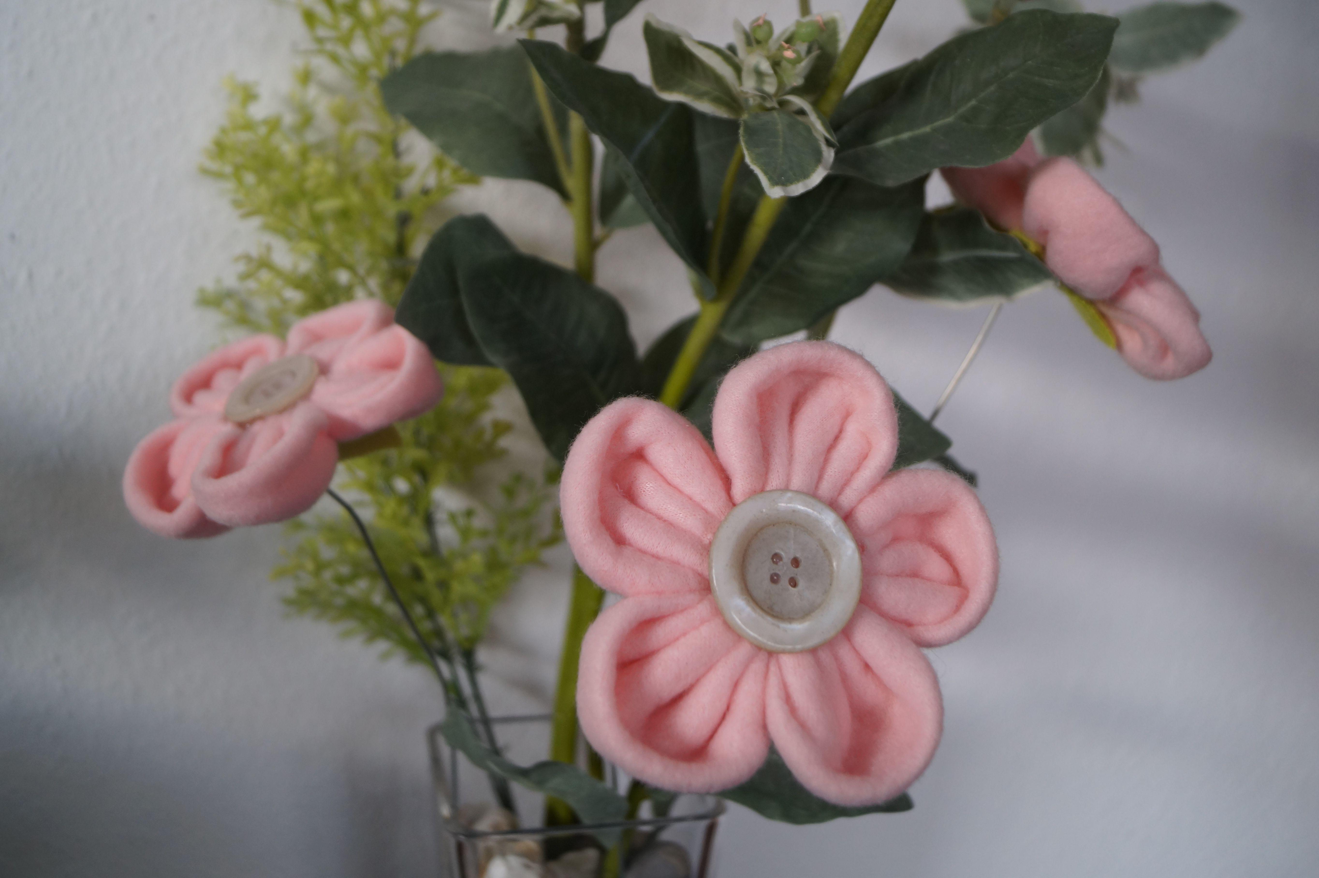 Blumen aus Fleecedecke nähen und dreidimensional gestalten