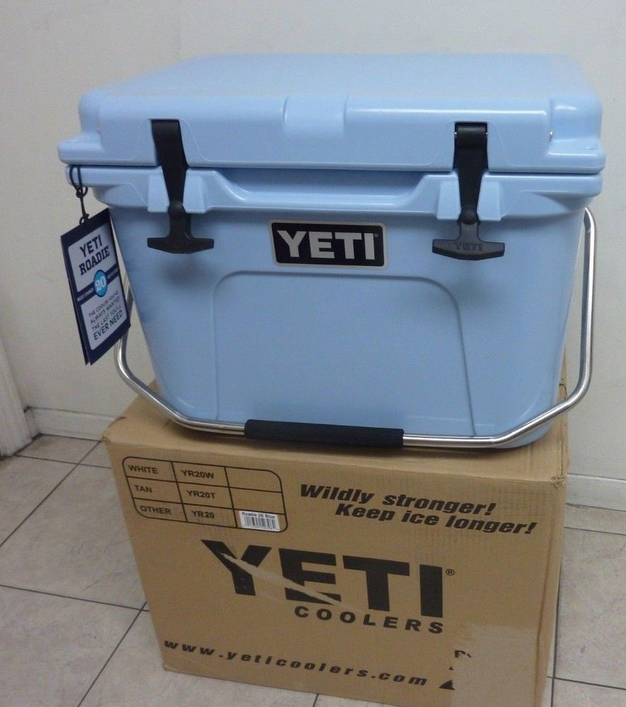 Details about YETI Roadie 20 Qt Cooler Ice Chest Reef Blue