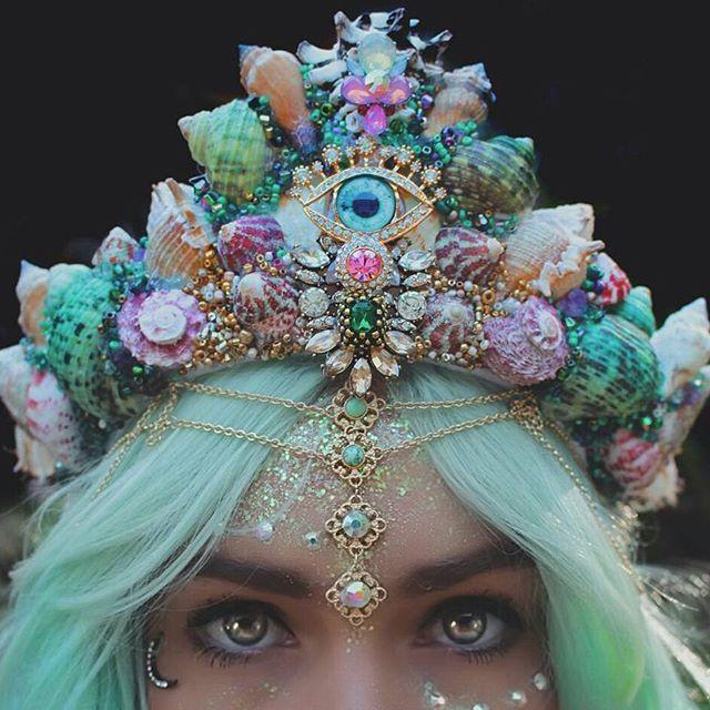 delicious dress crown