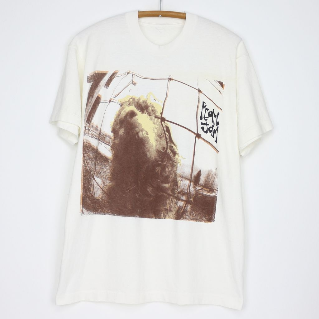 801e15cb44 1993 Pearl Jam Vs. Tour Shirt in 2019 | The World's Finest Selection ...