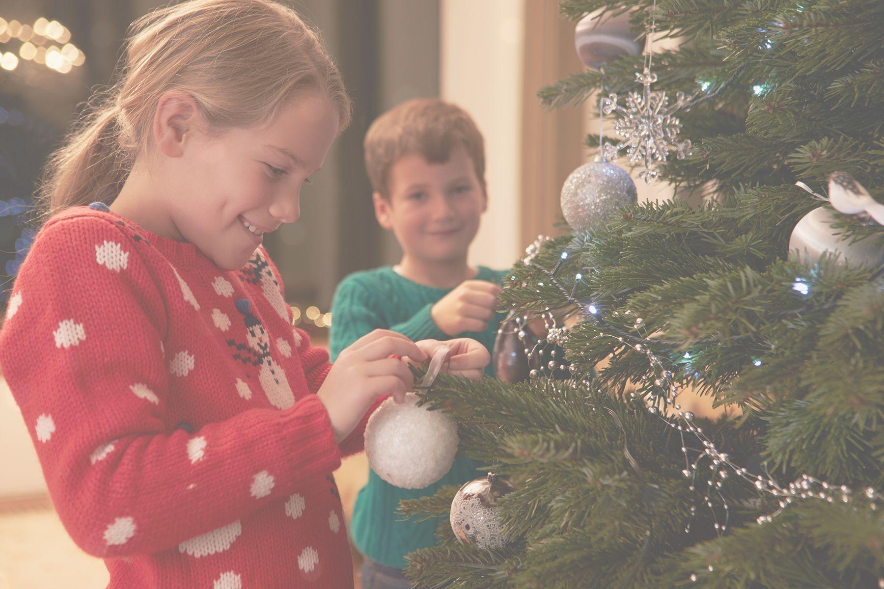 A Christmas Tree Miracle Trailer Christmas Movies Old Christmas Movies Holiday Memories