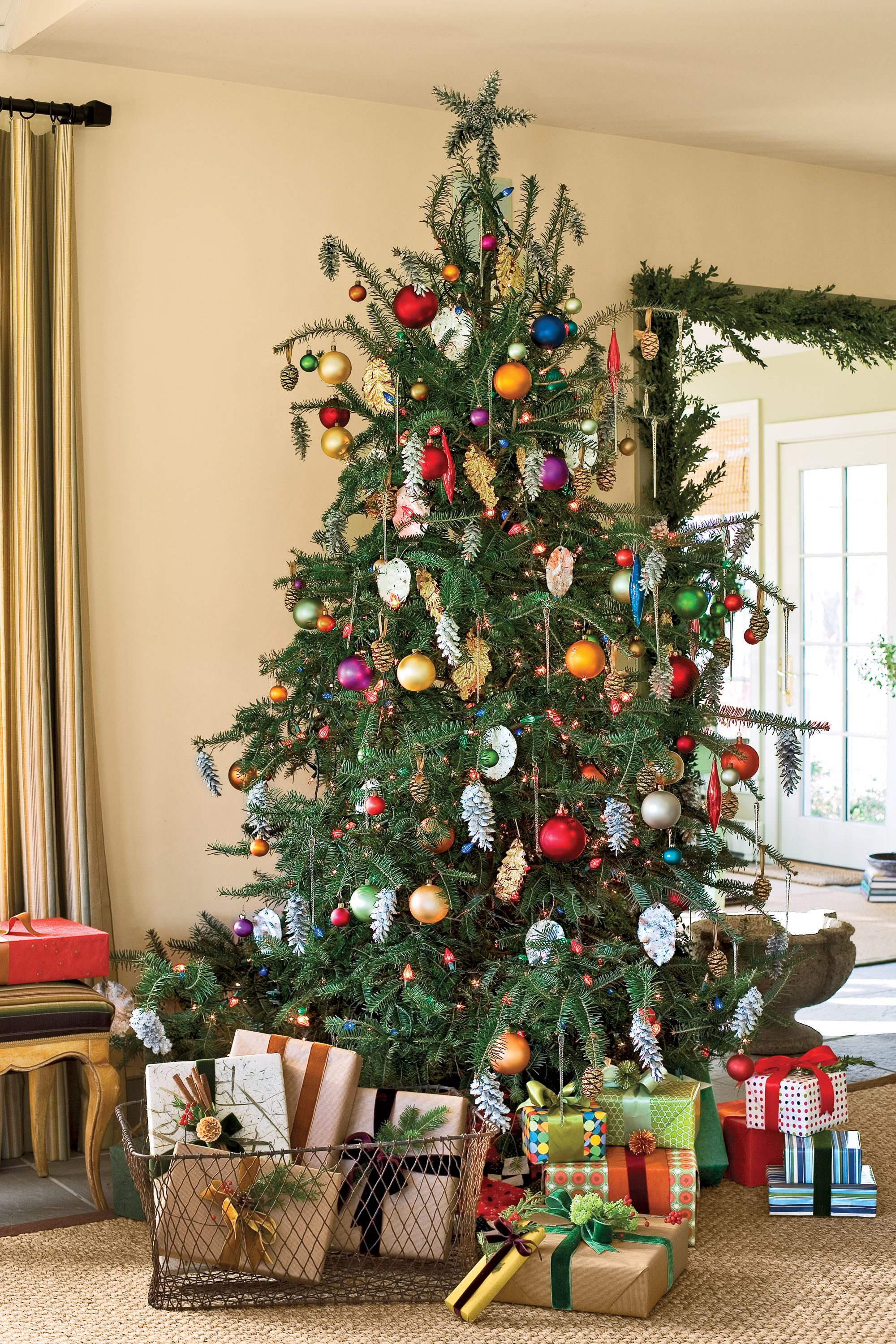 60+ stunning new ways to decorate your christmas tree | pinecone