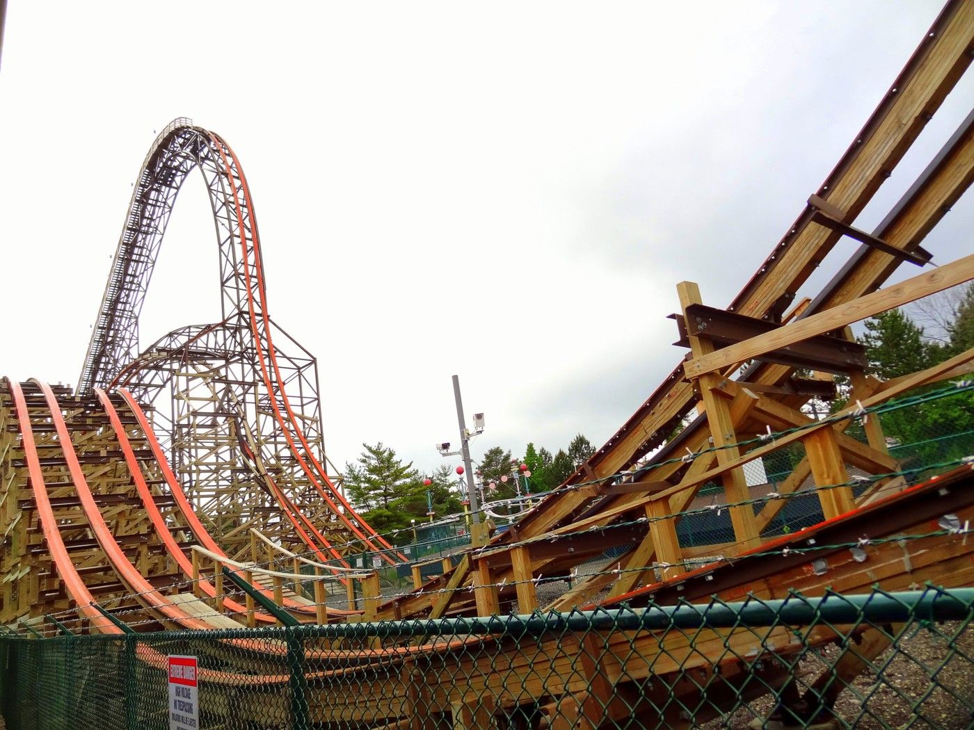 Six Flags Great America 2015 Update Coaster101 Great America Roller Coaster Theme Park