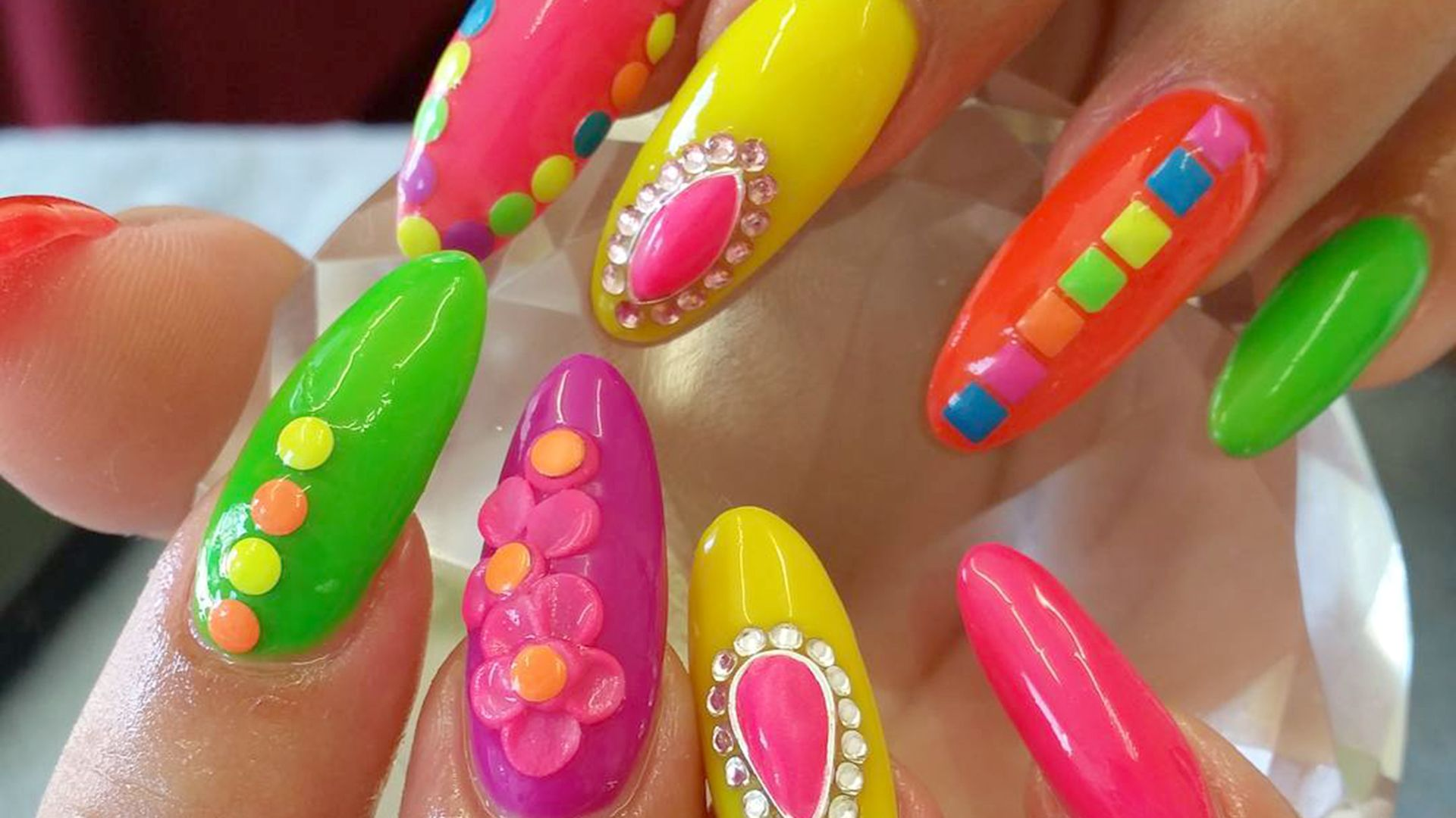 5 crazy nail trends you have to see to believe   Nailart und Fingernägel