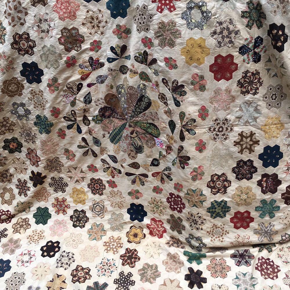 The best Antique British Quilts at Antique Textiles Company Hampstead London #antiqequilt #antiquepatchworkquilt #antiqueenglishquilt #antiquetextilescompanylondon