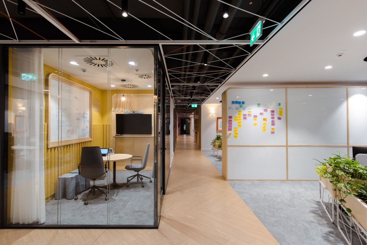Ing Tech Offices Warsaw Office Snapshots In 2020 Office Interior Design Interior Design Firms Interior Architecture Design