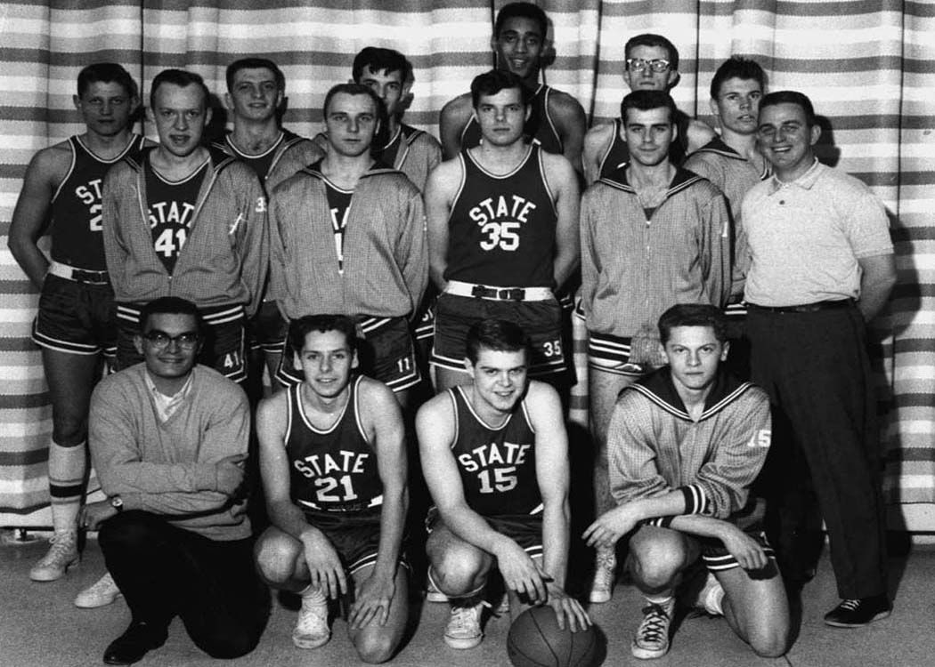 Mens Basketball Team, 1963 (credit: University Archives ...