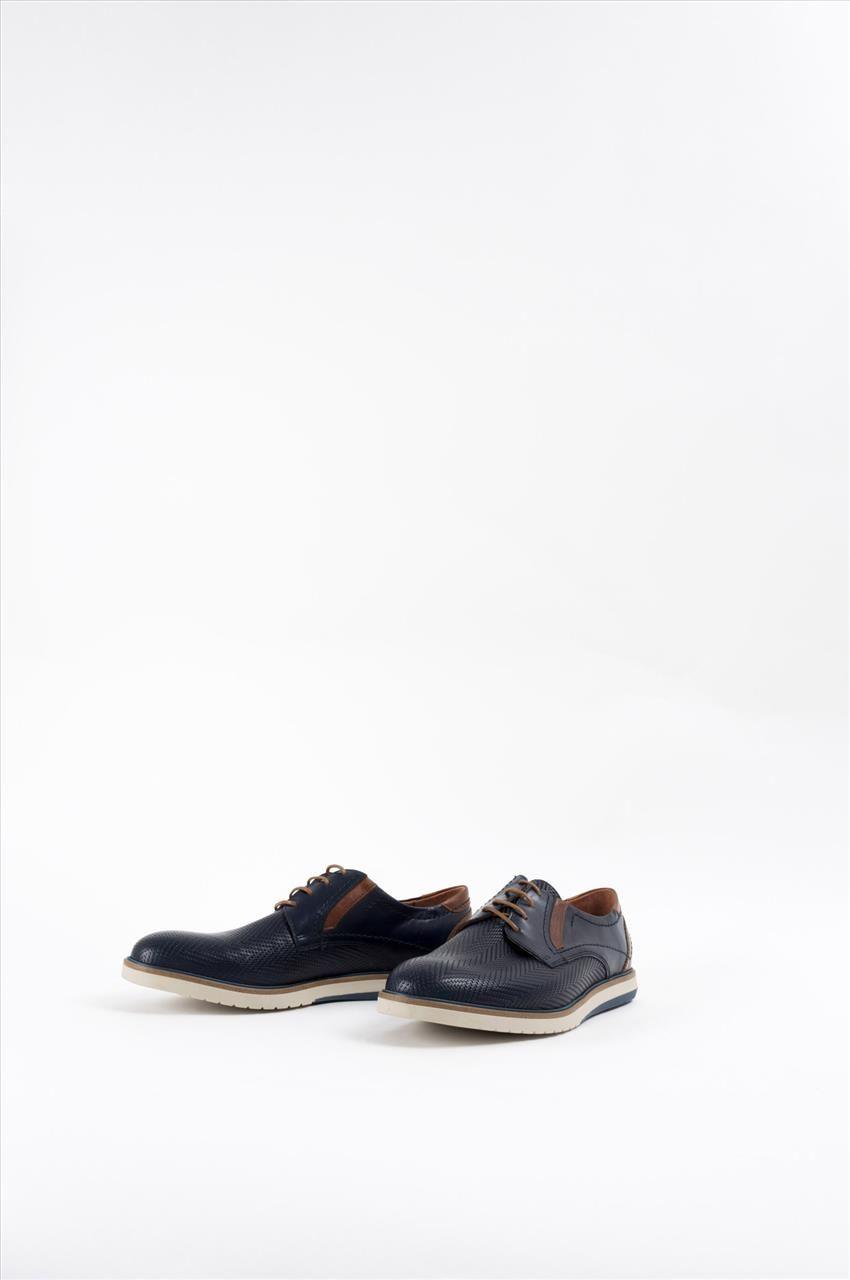 7402910694b Ανδρικά δερμάτινα δετά παπούτσια της εταιρείας Kricket. Διαθέτουν κορδόνια  και αντιολισθητική σόλα για σταθερό περπάτημα