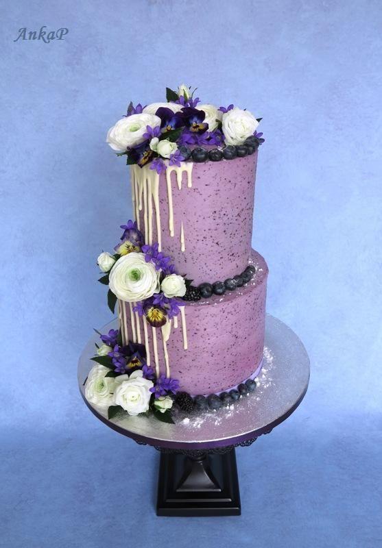 Čučoriedková so živými kvetmi torta, Narodeninové torty