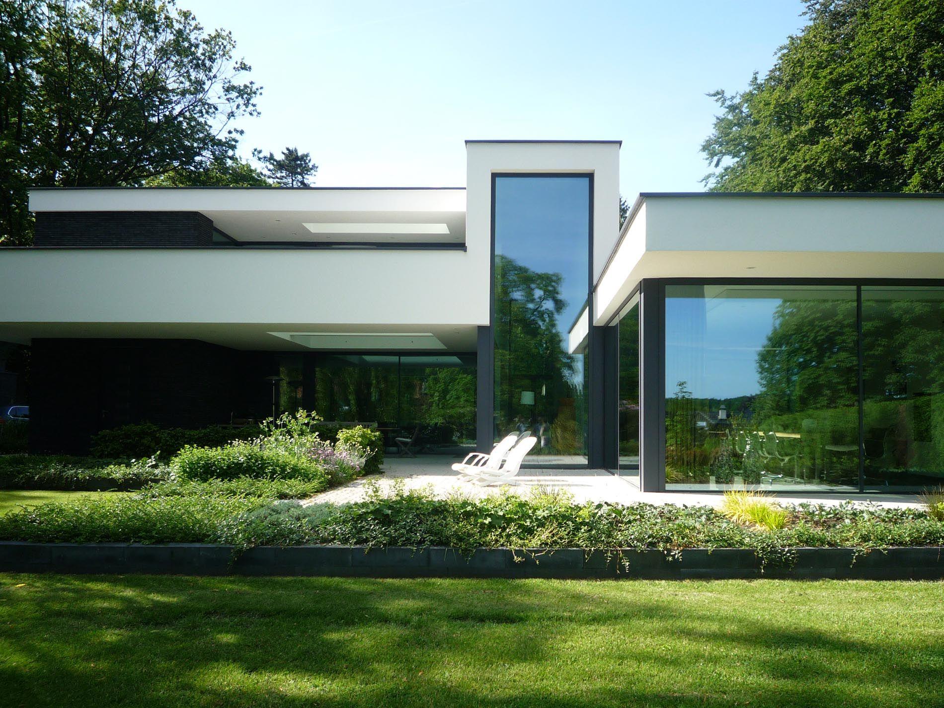 Maas architecten woonhuis oldenzaal stucwerk modern villa