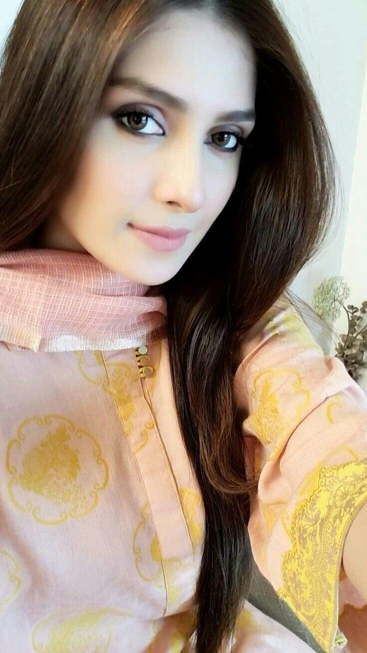 gorgeous-pakistani-girls-hot-naked-flashing-ex