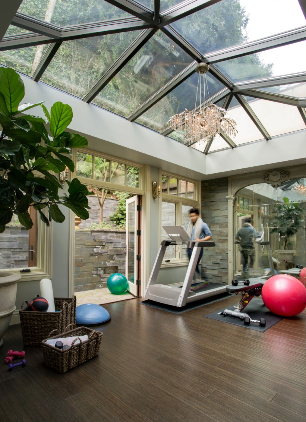 Home gym and solarium in pacific heights estate by favreau