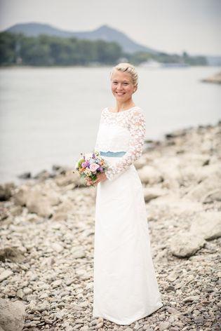 Brautkleid schlicht mit Spitze | Wedding