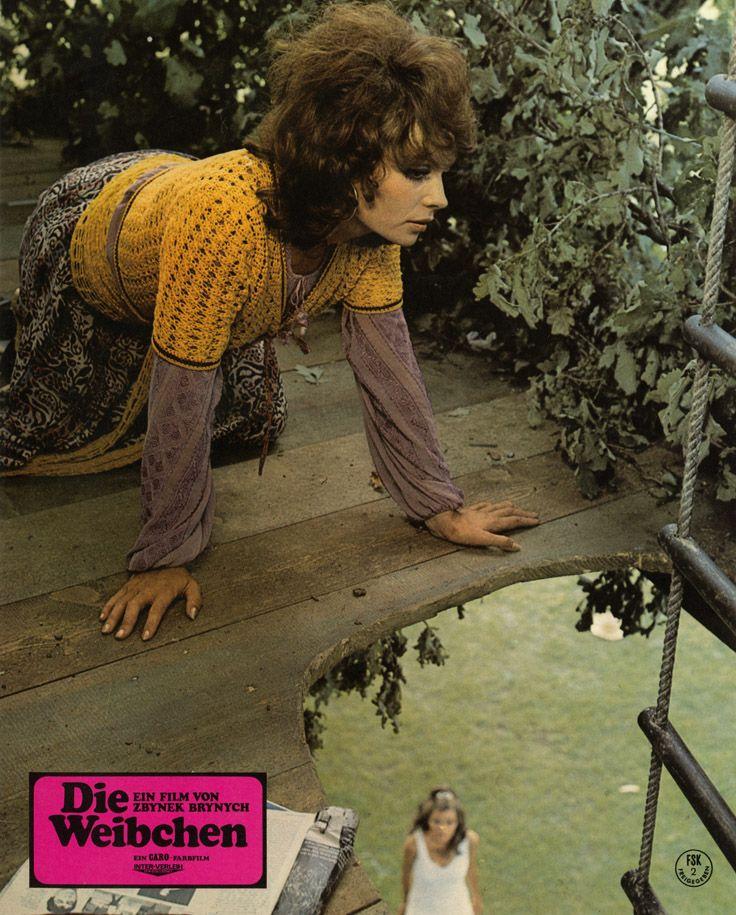 Aushangfoto für Die Weibchen aka Femmine carnivore, Mujeres carnivoras von Zbyněk Brynych. Demnächst auf DVD & Blu-ray. Mehr zum Film auf unserer Webseite.