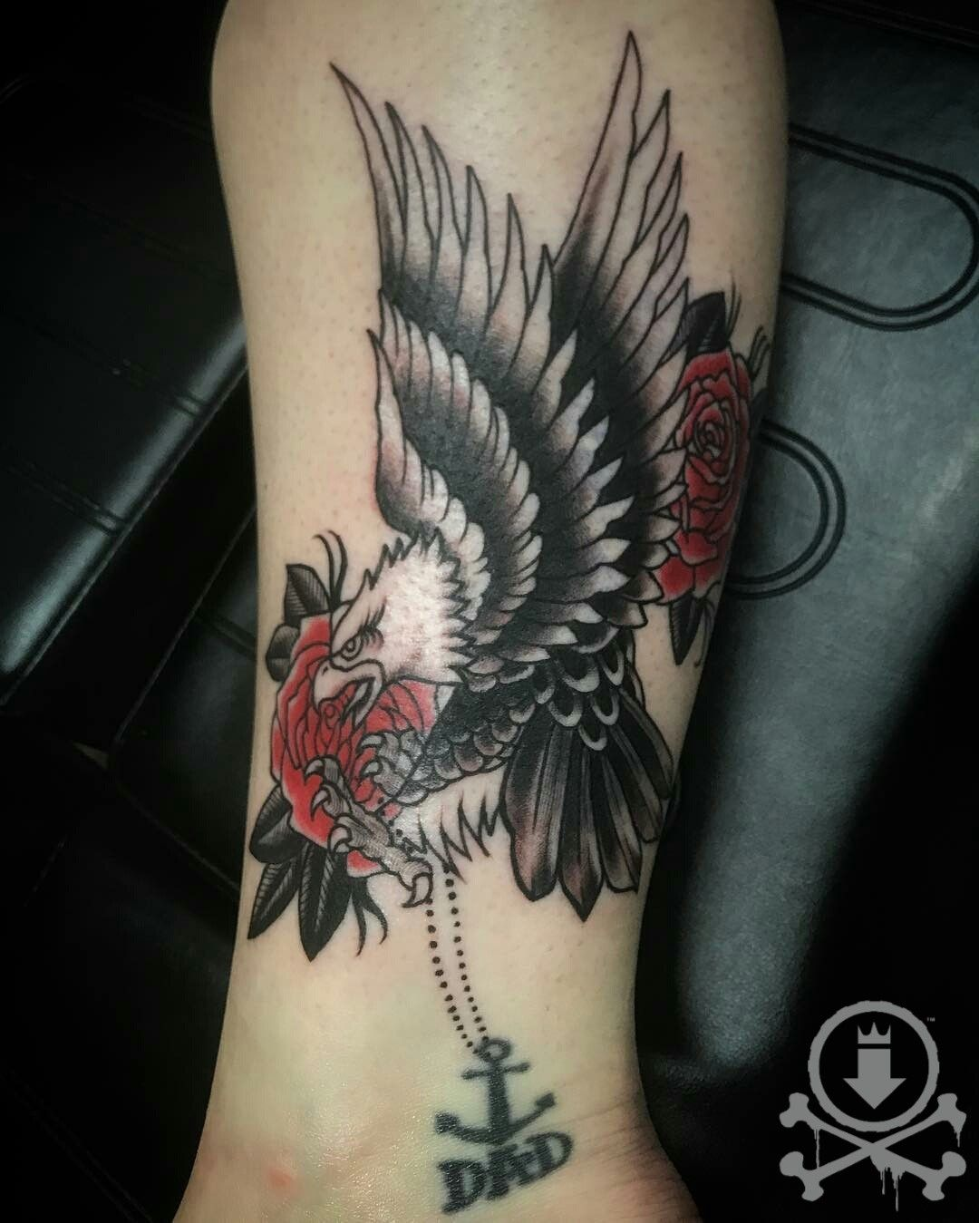 Awesome Traditional Style Eagle And Roses Tattoo By Jose Bolorin